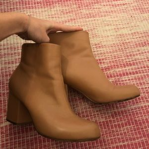 Rachel Comey Tan Leather Ankle Boots 8